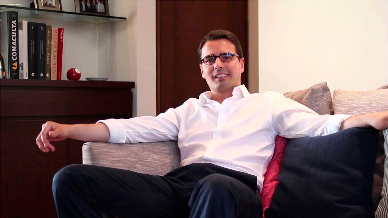 """Candidato independiente sin experiencia política busca ser el primer presidente gay en México, """"El país está listo para tener a un líder homosexual"""": dijo"""
