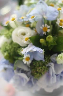 Blumenschmuck Wasserfarben-Hochzeit am See, Graugrün, Mint, Aqua, Blau, Grün, Riessersee Hotel Garmisch-Partenkirchen, Bayern, Lake side summer wedding Aqua, Green, Blue, grey colour scheme