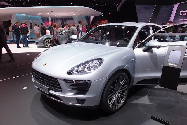 Porsche-macan-front