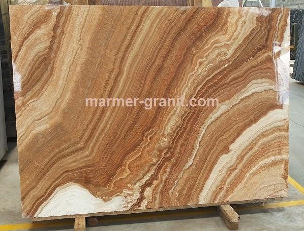 Wooden Onyx batu alam unik kini hadir di Jakarta
