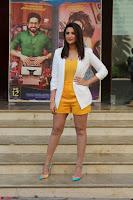 Parineeti Chopra with Ayushmann Khurrana at the Launch of Trailer of Meri Pyaari Bindu 009.JPG