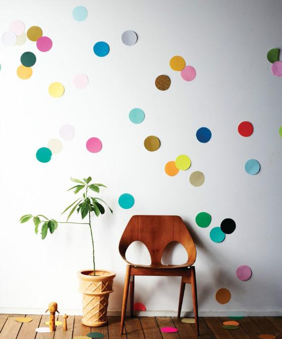 efimerata_burgos_aniversario_confeti_fiesta_color_pared_lunares_papel