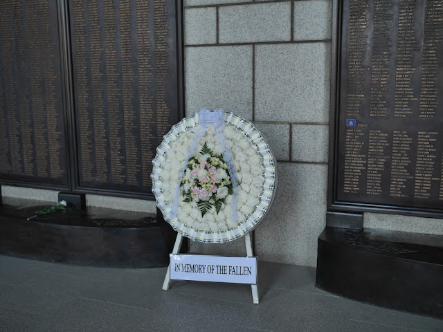 "wreath with the words ""IN MEMORY OF THE FALLEN"""