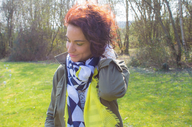 Premier look de printemps : dentelle et veste kaki 💕