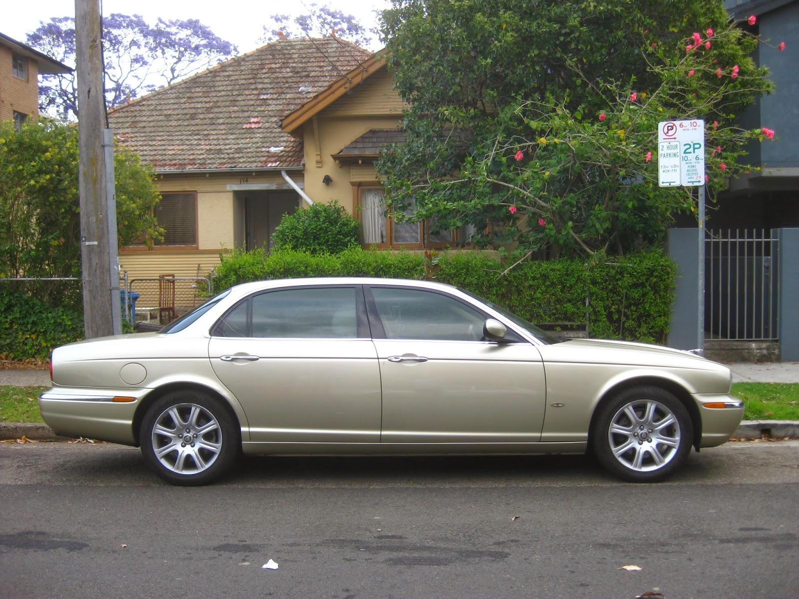 Aussie Old Parked Cars: 2005 Jaguar XJ8L (X350)