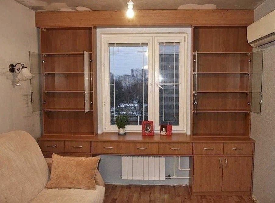 Блог полезностей: шкафы вокруг окна, это удобно и экономит п.
