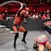 Triple H derrota Batista e mantém sua carreira viva