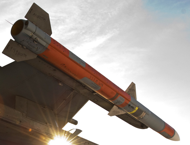 news and encyclopedia update: Raytheon Resolves AMRAAM Production Issues