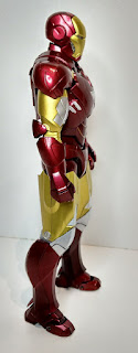 "Review del S.H.Figuarts""Iron Man Mk VI + Hall of Armor""."
