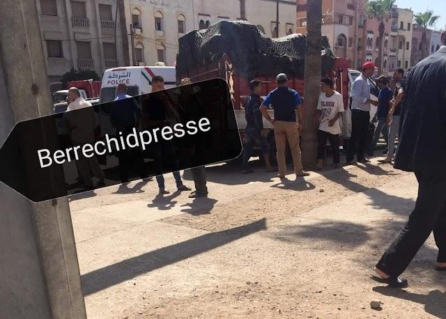 إصابات في صفوف تلاميذ بعد اصطدام شاحنة مع سيارة إحدى المدارس الخاصة ببرشيد