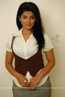 Smiriti sinha natural look