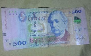 Dinero: $500 uruguayos