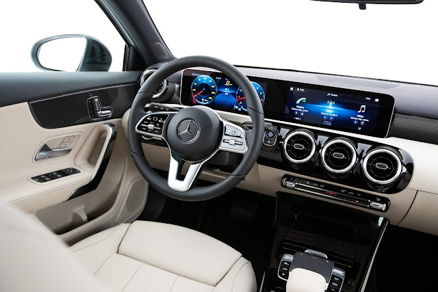 Mercedes-Benz A250 Vision - interior - painel