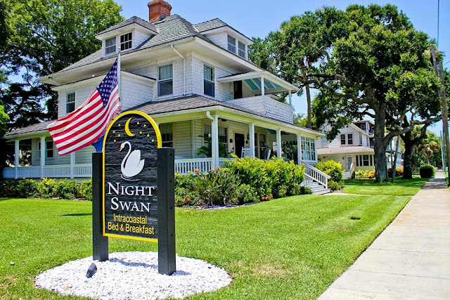 Looking to enjoy a getaway at New Smyrna Beach in Florida? Look no further than Night Swan Intracoastal Bed and Breakfast, one of the best New Smyrna Beach.
