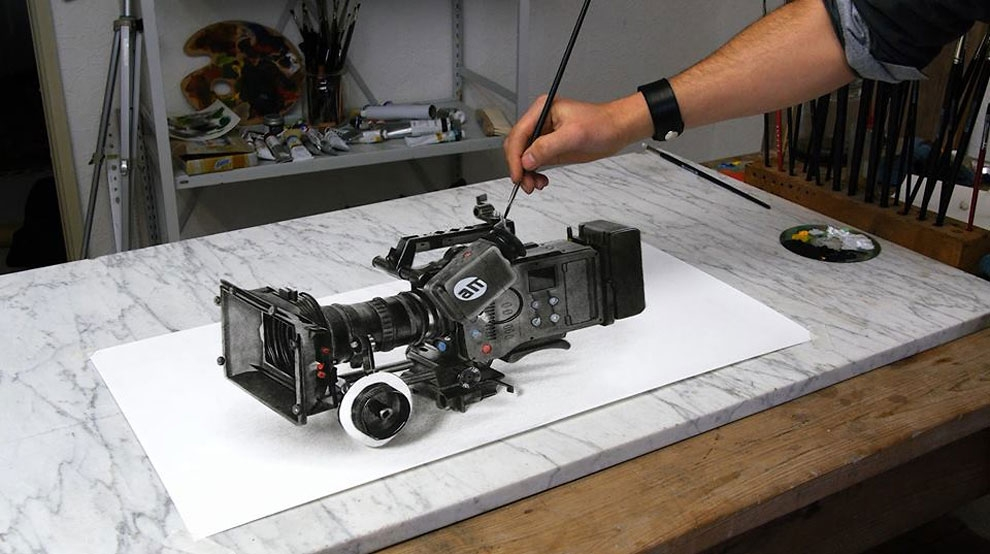 06-Video-Camera-Stefan-Pabst-NO-Photoshop-3D-Anamorphic-Drawings-with-Video-www-designstack-co