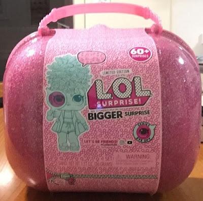 Как выглядит новый чемодан с игрушками Lol Bigger Surprise