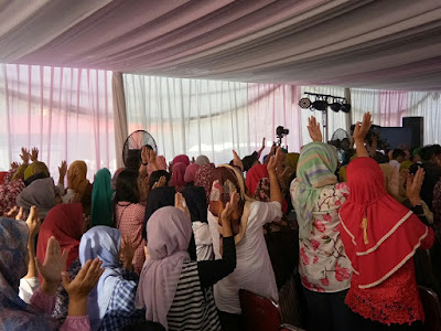 Rumah Cantik K-Link Tempat Para Perempuan Saling Berpegangan Tangan