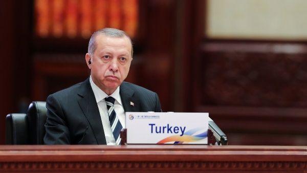 Erdogan dialogará con Trump para exigir que cese apoyo a kurdos