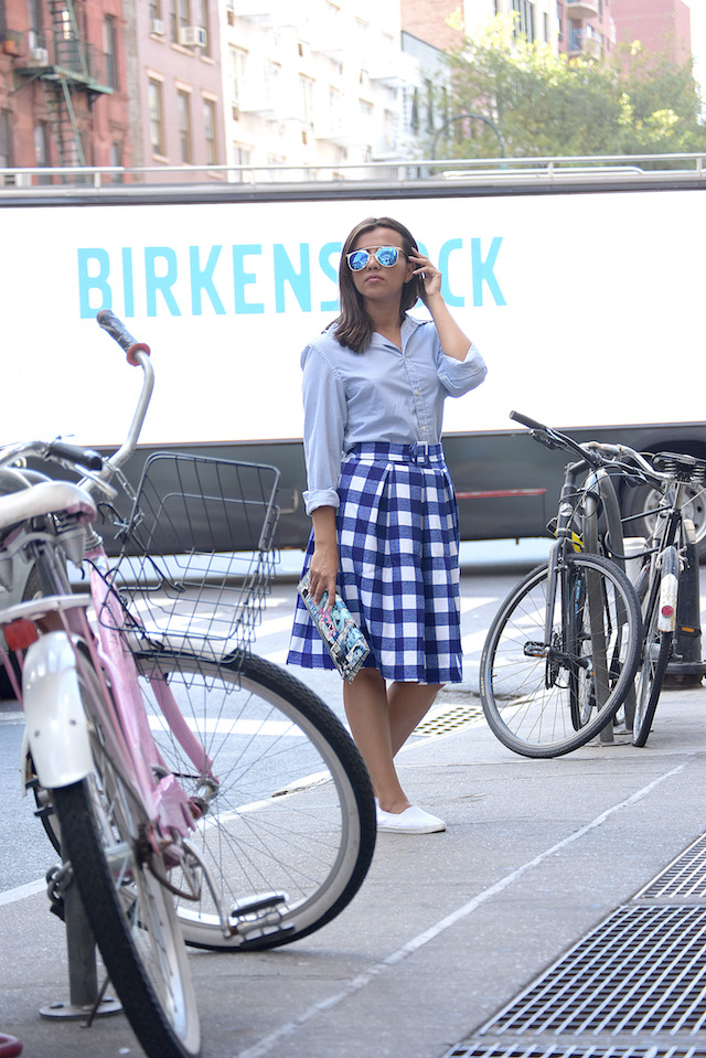 Heisel in 3D New York Fashion Week, Wearing: Skirt/Falda: LightInTheBox Tshirt/Camisa: H&M Clutch/Cartera de Mano: Rainbow Shoes/Zapatos: TJMax