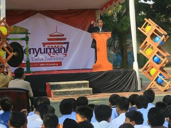 Oded M Danial Buka Program Santi Kilat di SMPN 34 Bandunv