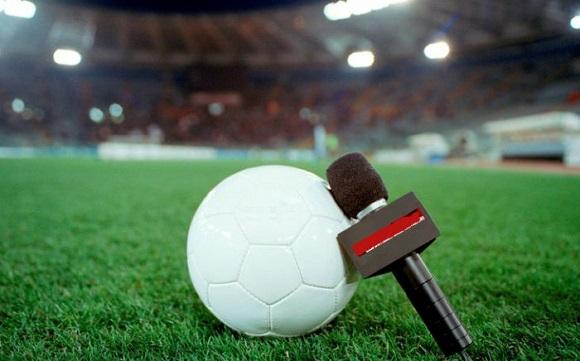 wholesale dealer e7d2d 2f201 Radio per ascoltare le partite di calcio online ...