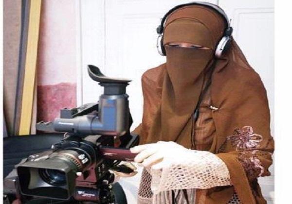 Jangan Jadikan Kecantikan Sebagai Alasan, Hati-hati Muslimah Suka Panjangkan Kuku Jadi Sarang Setan