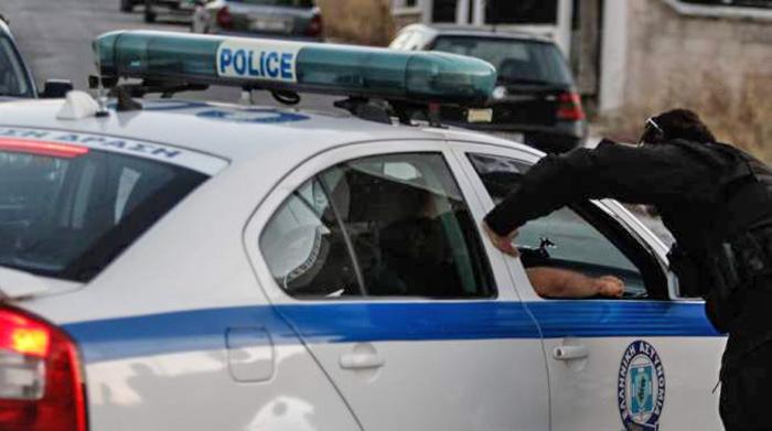 Διαμαρτυρία αστυνομικών - Ρομά τους χτύπησαν και τους δάγκωσαν