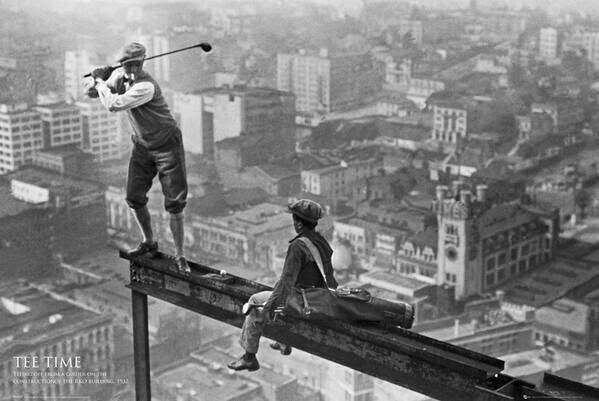 64 Historical Pictures you most likely haven't seen before. # 8 is a bit disturbing! - Playing golf on a skyscraper. 1932
