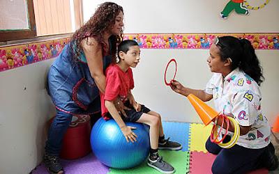 EL MINEDU  contratará profesionales no docentes para reforzar atención de niños con discapacidad