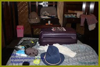 perlengkapan-koper-di-kamar-hotel-Kencana-Sumbawa.jpg