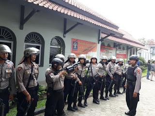 Kericuhan yang terjadi di Lapas Klas I kesambi di Kota  Cirebon