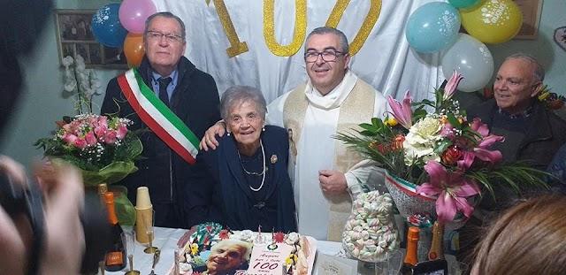 Siculiana festeggia i 100 anni di Zia Giuseppa.