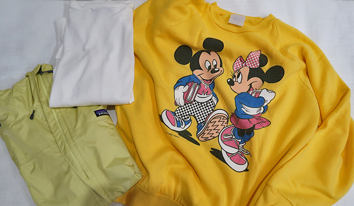 a style caddy, travel, travel tips, Disney world, Disneyland, pack with me, Disney pack with me, Nordstrom, Patagonia torrentshell rain jacket, loft, Ann Taylor, loft whisper white cardigan, vintage Mickey Mouse, vintage Minnie Mouse, vintage Disney sweatshirt