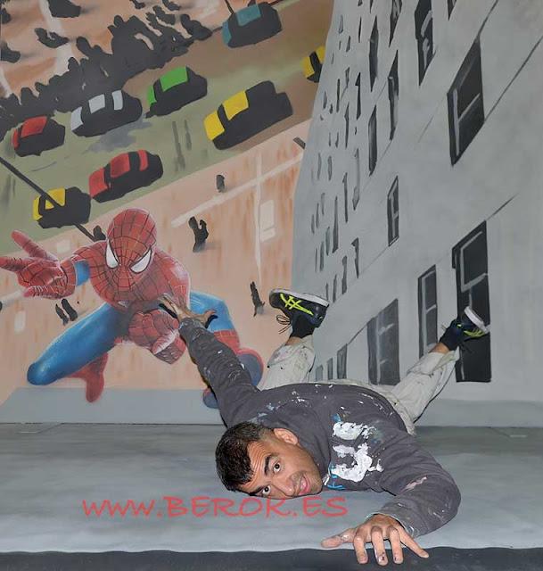 graffiti en 3d precipicio con Spiderman