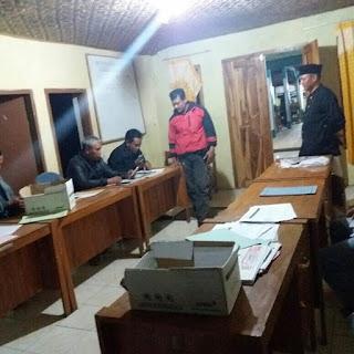 Pembacaan surat Camat Balapulang