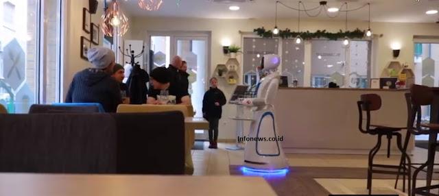 Woow, Restoran Ini Menyajikan Makanan dengan Robot