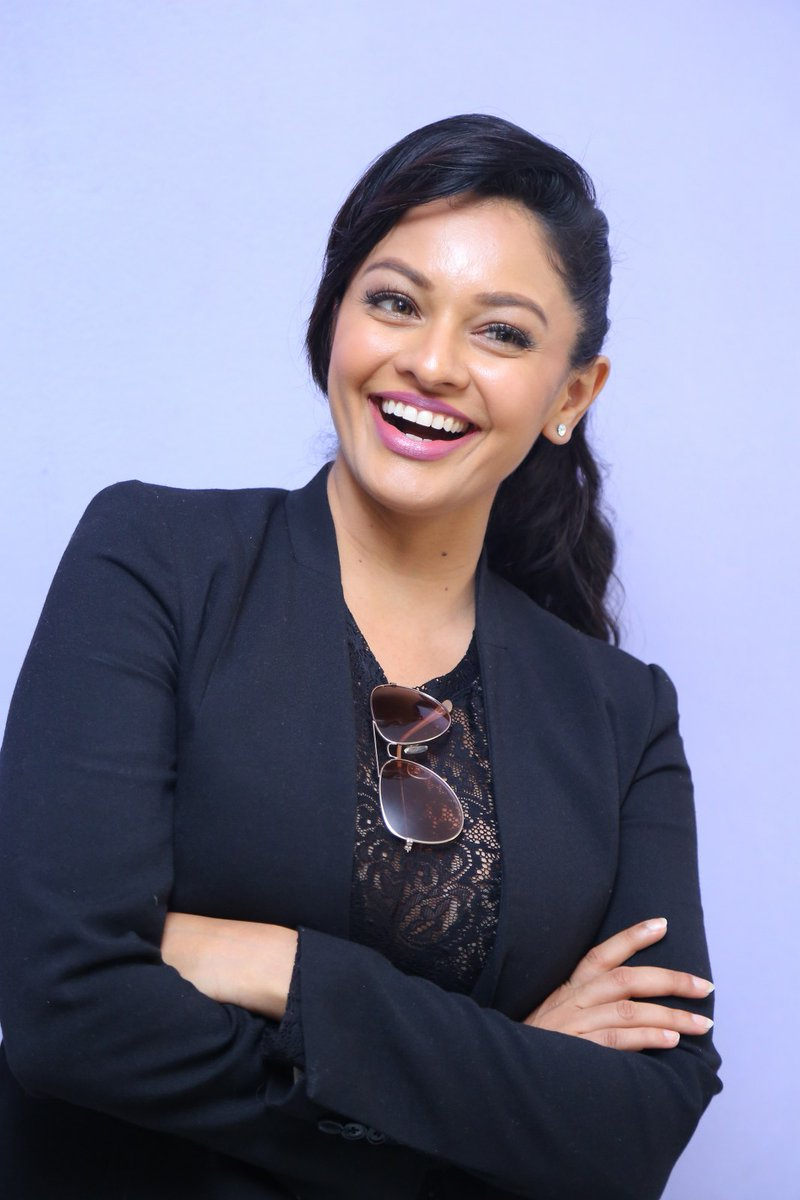 Actress PoojaKumar Latest HD Images