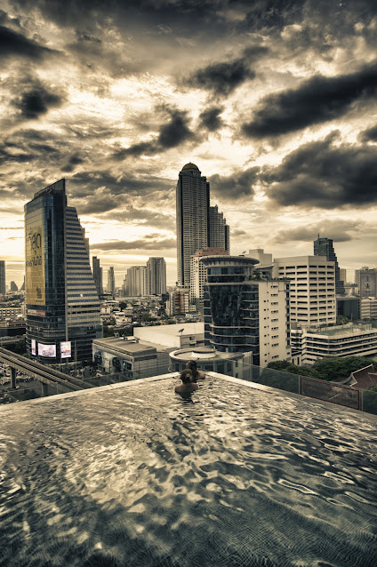 Piscina dell'hotel Eastin Grand Sathorn-Bangkok