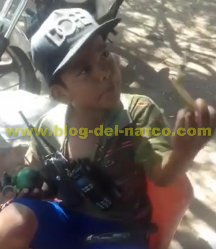 """Video Con armas, drogas y granada graban a niñito Sicario sinaloense, """"Me pelan la Verga"""" dice el niño"""