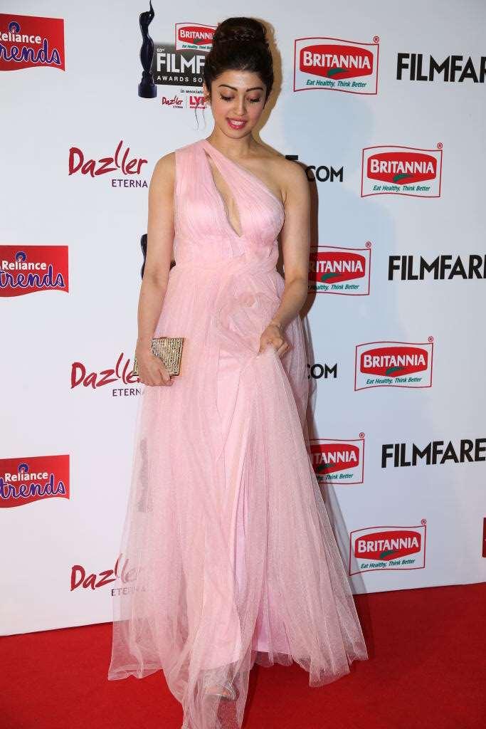 Pranitha Subhash Hot Stills At Filmfare Awards In Pink Gown