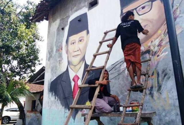 BPN: Sesuai PP yang Ditandatangani Jokowi, Jas adalah Pakaian Resmi Nasional