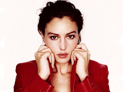 Monica Bellucci Normal Resolution HD Wallpaper