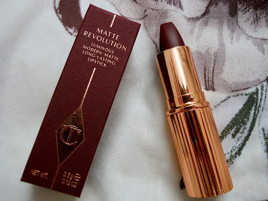 Charlotte Tilbury's Matte Revolution in Glastonberry