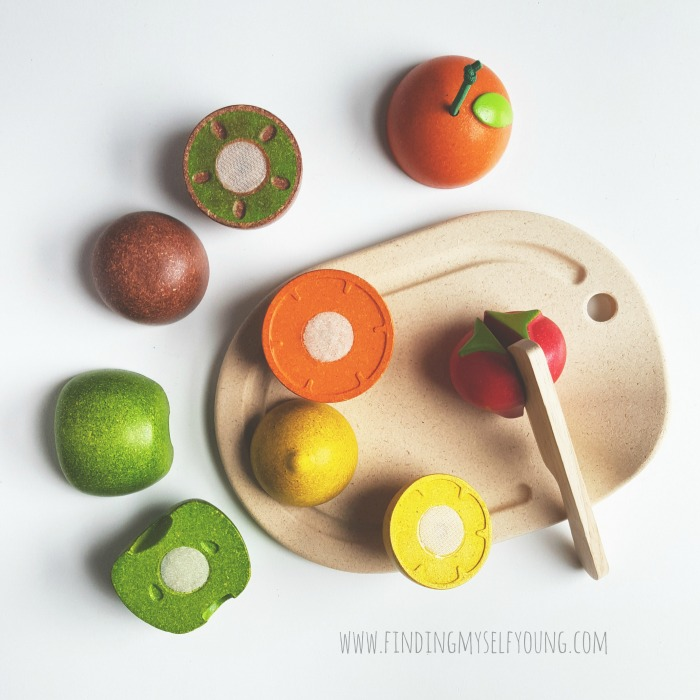 Plan toys wooden fruit cutting set with chopping board