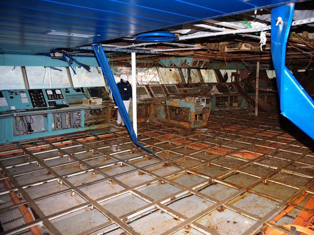 costa concordia 17 - Primeiras imagens do Costa Concordia depois de ser resgatado em 2014