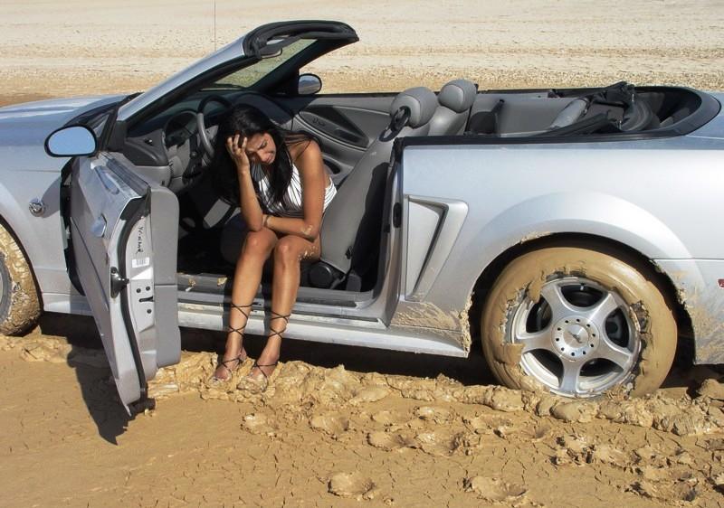 Авто приколы с девушками (15 фото)