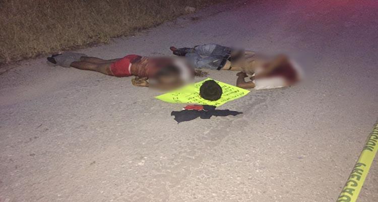 Dejan dos decapitados sobre la carretera en Chilapa