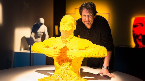 nathan-sawaya-arte-artista-obras-escultor-escultura-lego-the-art-of-the-brick-entrevista-interview-fine-artist-works-human-figure-phrases-frases-citas-contemporaneo-exposition-exposiciones-foto-photo-imagen-picture