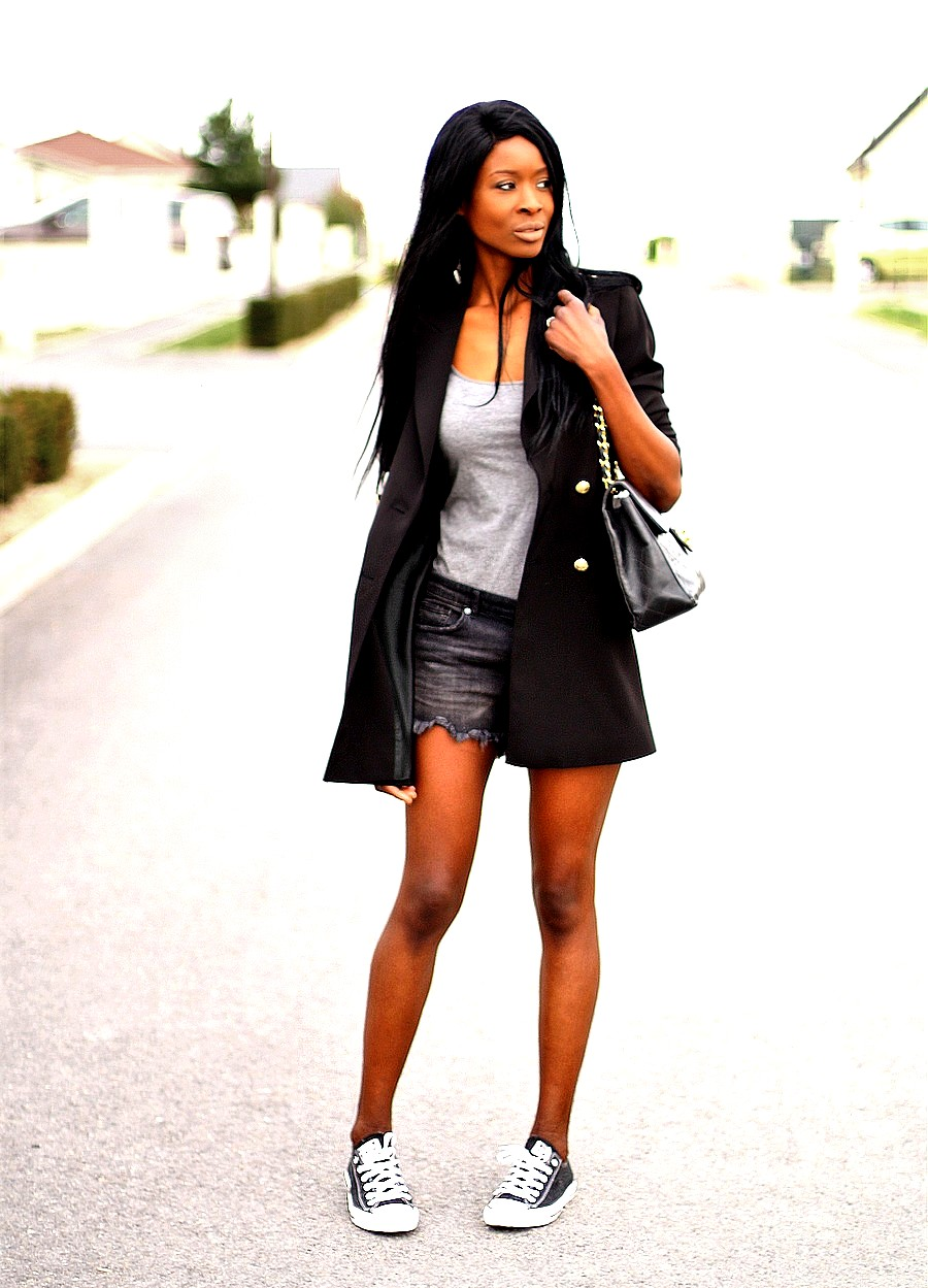 african-fashion-blogger-rocking-converse-sneakers