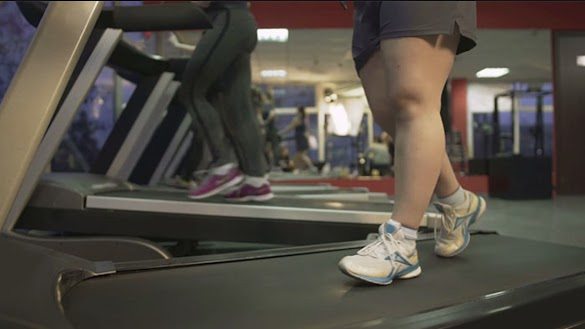 Bullies Laugh And Film Woman Trying To Lose Weight In Gym, So This Random Stranger Avenges Her